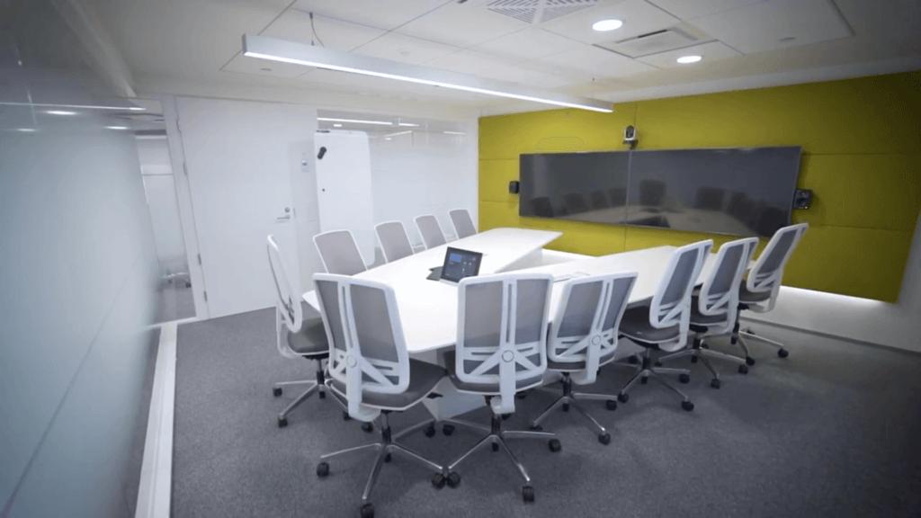 4business VR Group neuvotteluhuone 2